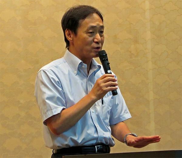 講演する柳澤さん